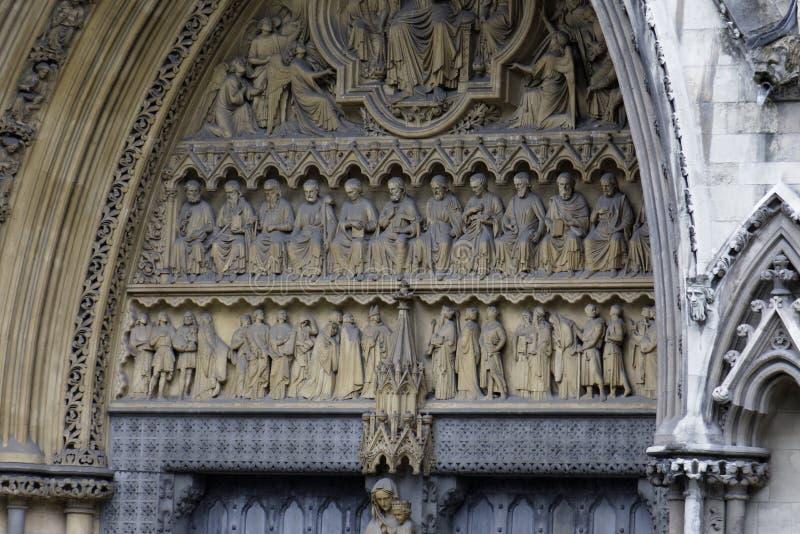 Martyres sur la façade du nord de l'Abbaye de Westminster photographie stock