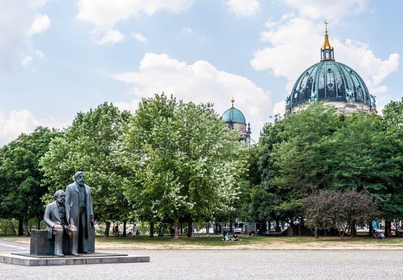 Marx и Энгельс стоковая фотография rf
