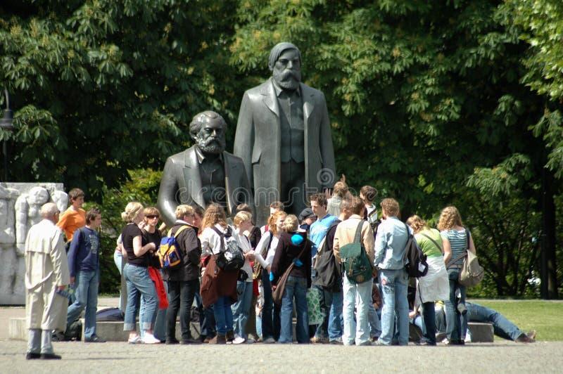 Marx Engels Memorial royaltyfria foton