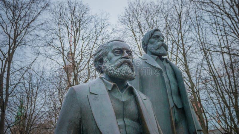 Marx Engels Memorial i Berlin, Tyskland royaltyfri bild