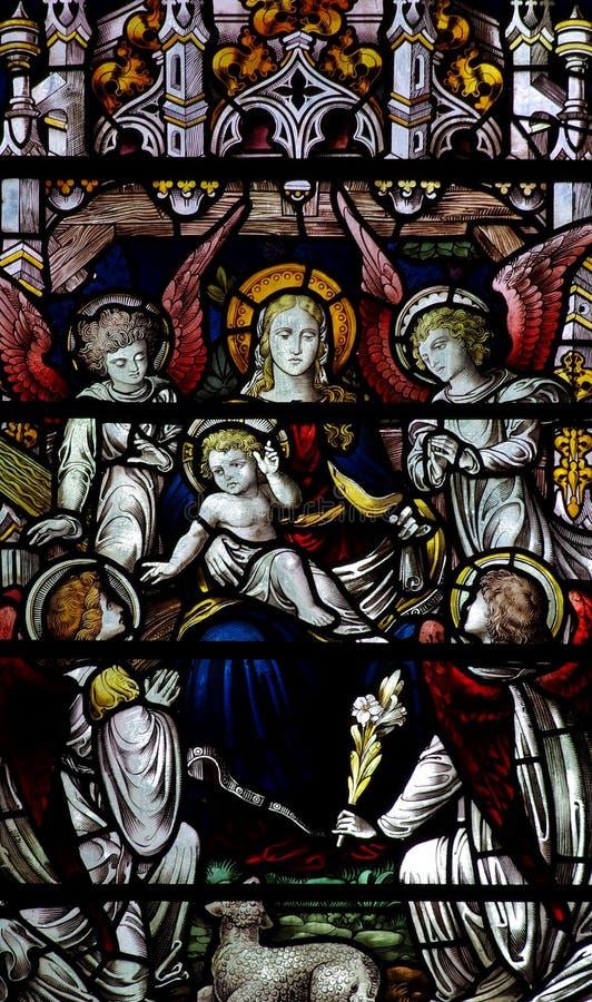 Mary με μωρό Ιησούς και τέσσερις αγγέλους στοκ φωτογραφία με δικαίωμα ελεύθερης χρήσης