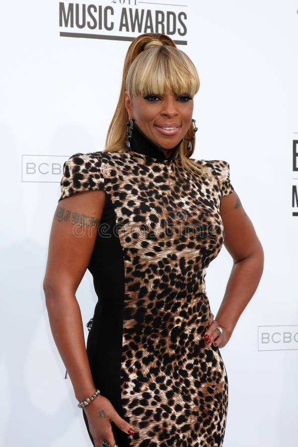 Download Mary J. Blige editorial photo. Image of arriving, music - 24305971