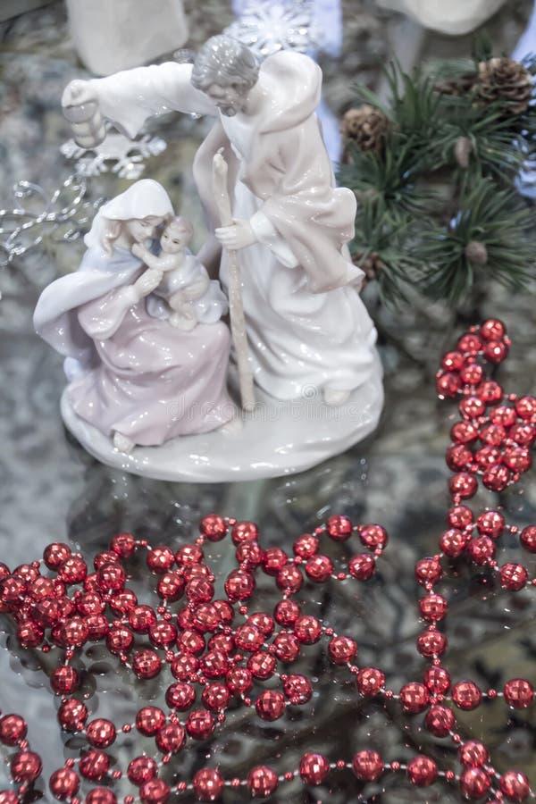 Mary, Joseph och Jesus Ceramic Nativity plats royaltyfri bild