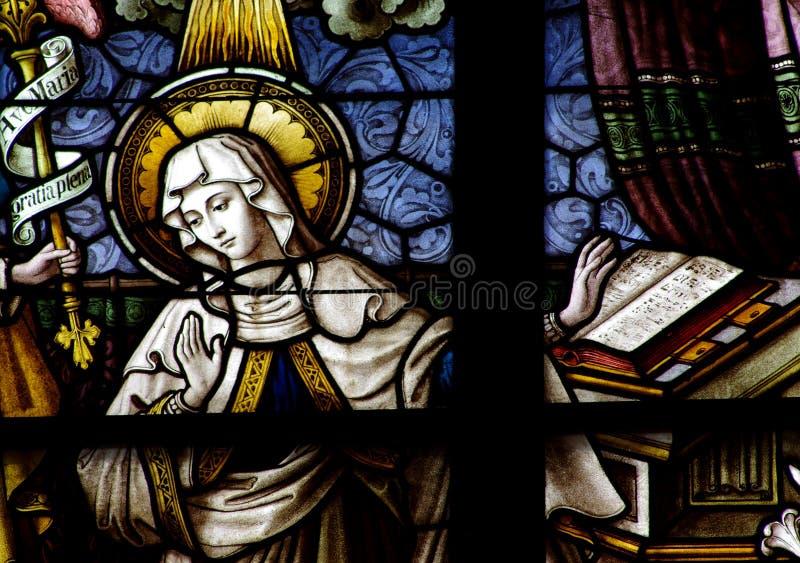 Mary (mère de Jésus) en verre souillé images libres de droits