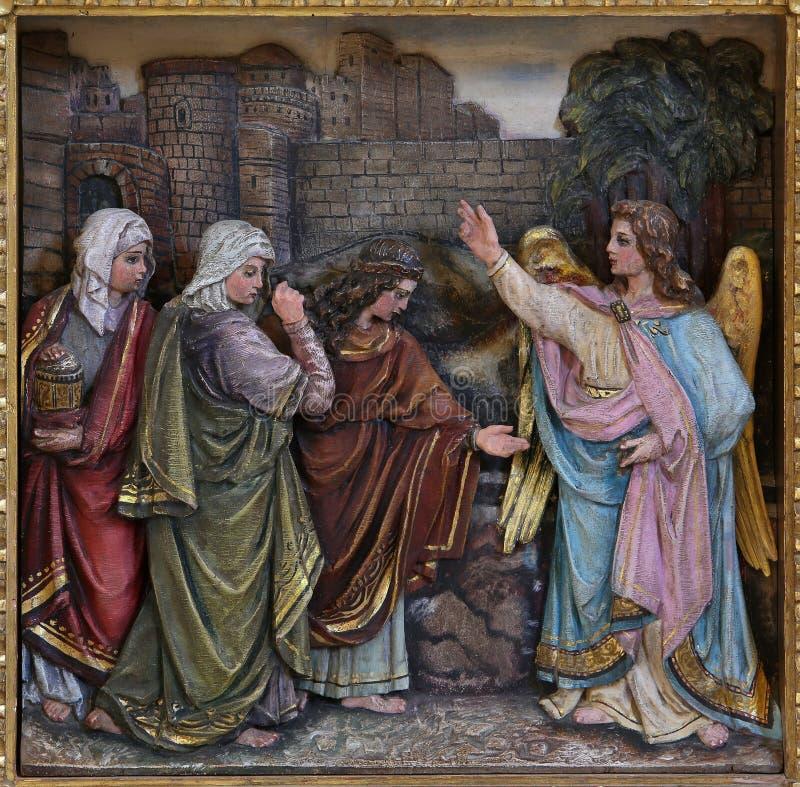 Mary Magdalene и женщины на пустой усыпальнице Иисуса на день воскресения стоковое изображение