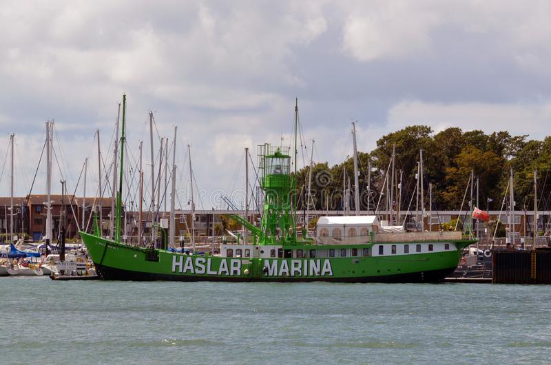 Mary Mouse, restaurant de flottement, marina de Haslar, Gosport hampshire photo stock