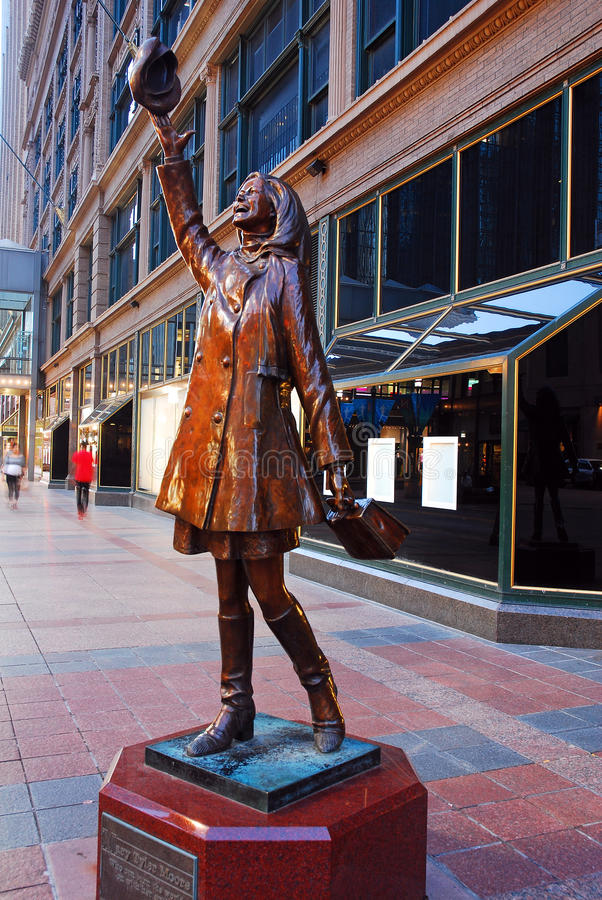 Mary Tyler Moore-Statue in Minneapolis lizenzfreies stockbild