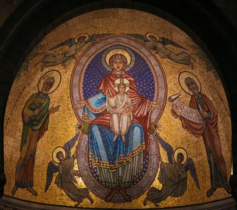 Maryja Dziewica Jezus i dziecko - mozaika przy katedrą Monaco fotografia stock