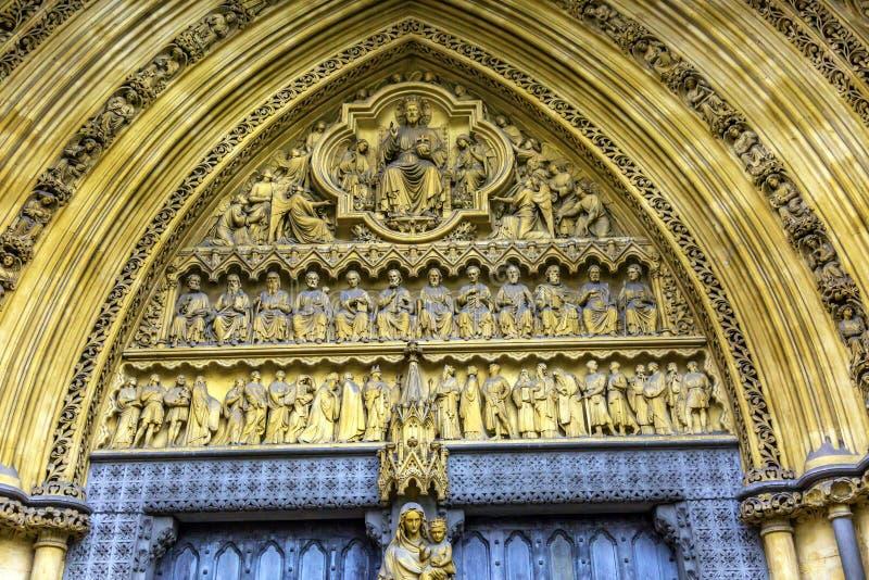 Maryjnych statui Drzwiowy Fasadowy opactwo abbey Londyn Anglia zdjęcie royalty free