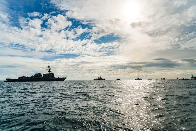 Marynarki wojennej flota wliczając przewdonika pociska niszczyciela kotwicy w to samo zdjęcia royalty free