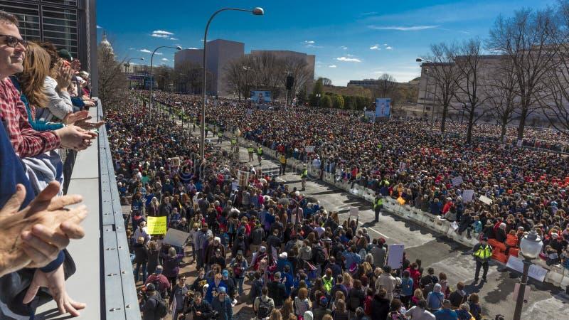 MARZEC 24, 2018: Waszyngton, d C Setki tysiące zbierają na Pennsylwania alei, NW wewnątrz Strzelać, Marjory obraz royalty free