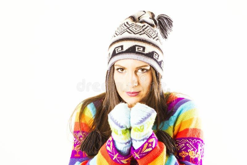 Download Marznięcie zimy kobieta obraz stock. Obraz złożonej z barwiony - 37488319