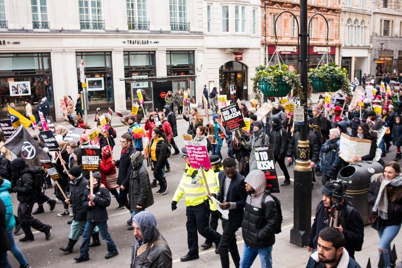 Marzo contra la demostración nacional del racismo - Londres - Reino Unido foto de archivo