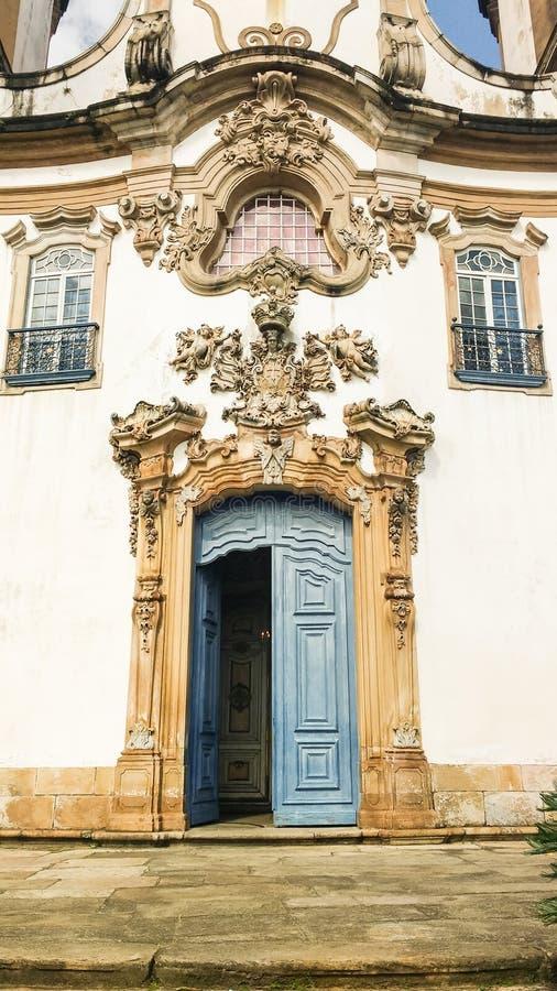 25 marzo 2016, la città storica di Ouro Preto, Minas Gerais, Brasile, dettaglio del Nossa Senhora fa la chiesa di Carmo immagine stock libera da diritti