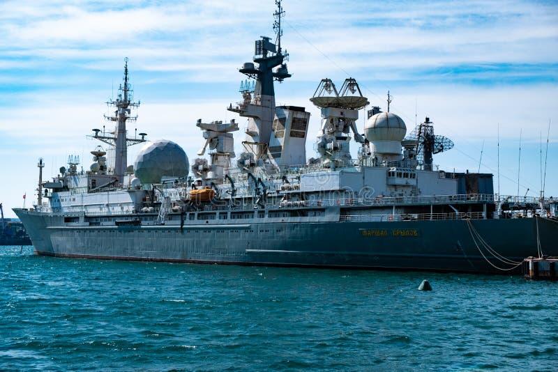 Marzo 2019 - Vladivostok, Primorsky Krai - maresciallo Krylov - la nave del complesso di misurazione sta nel porto di fotografia stock
