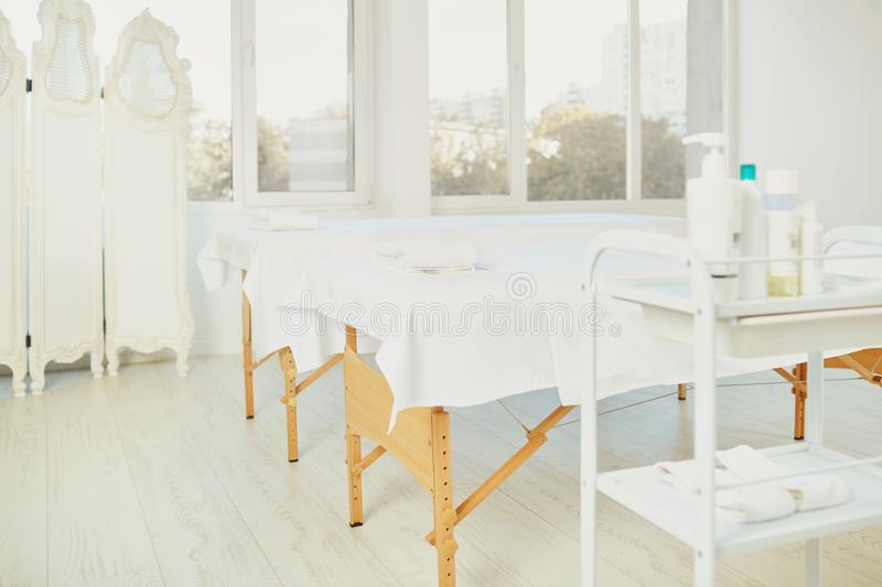Masaż kosmetologii bielu salon zdjęcia royalty free