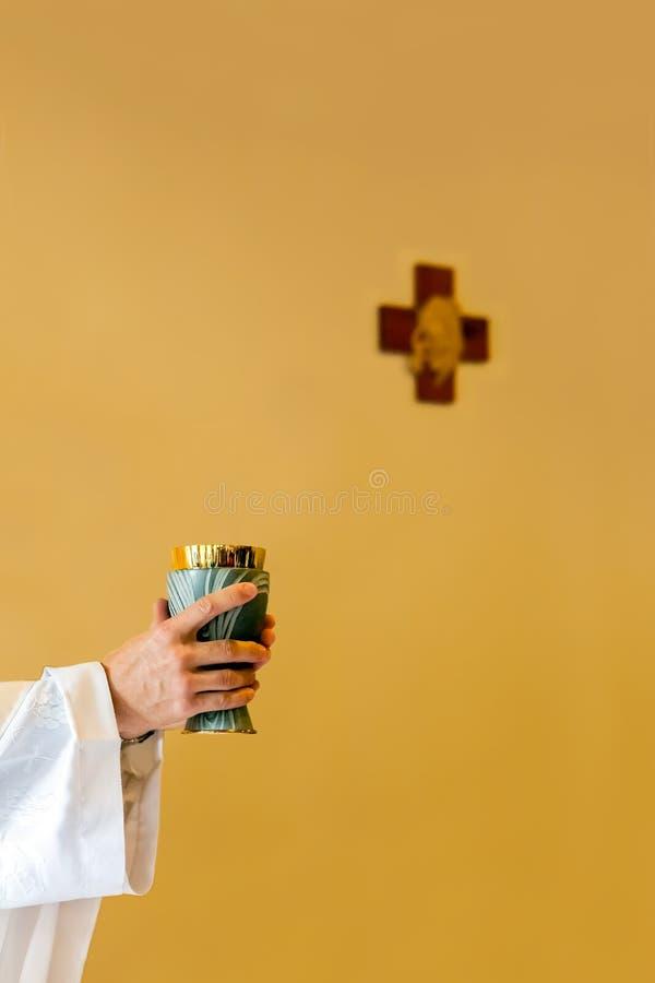 Masa católica fotos de archivo libres de regalías