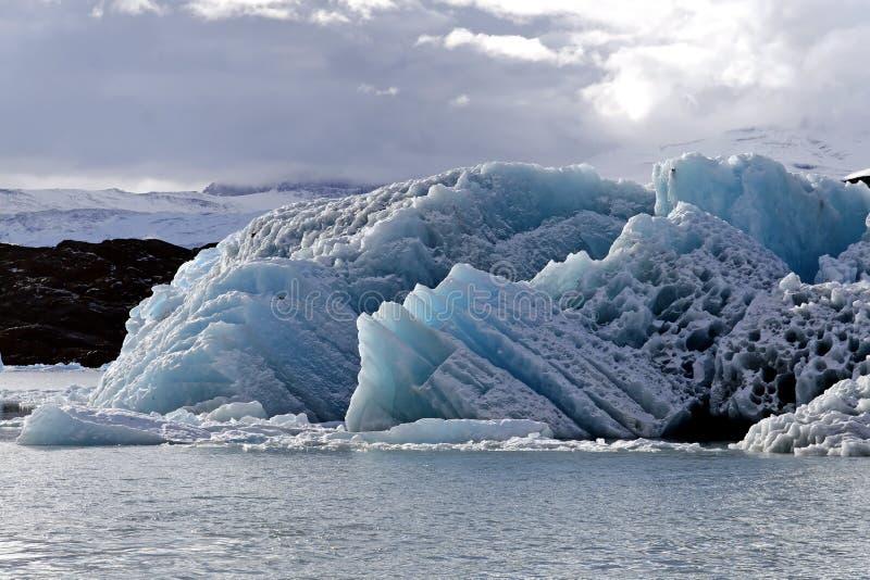 Masa de hielo flotante de hielo foto de archivo libre de regalías