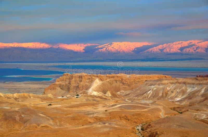 Masada ed il mare guasto, Israele fotografie stock