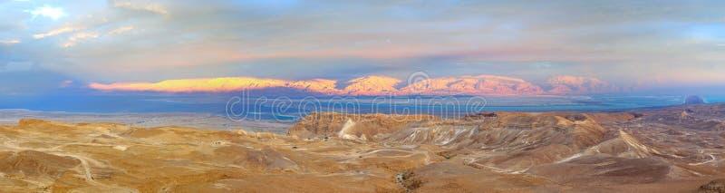 Masada en het Dode Overzees, Israël stock afbeelding