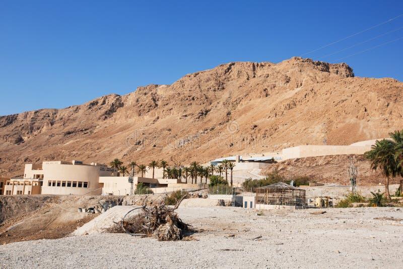 MASADA, ISRAEL - 22 DE MARZO DE 2019: La entrada del camino al oasis de Masada es un fortalecimiento antiguo en el distrito merid imagen de archivo