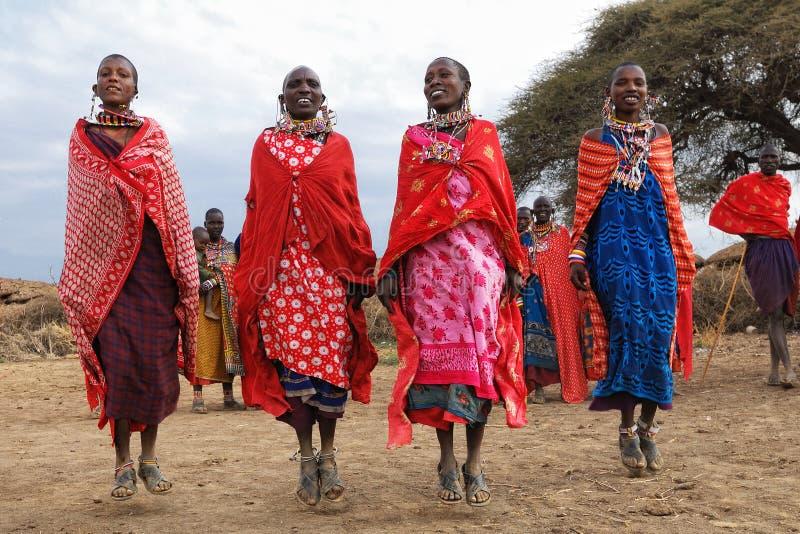 masai dancingowe kobiety obraz stock