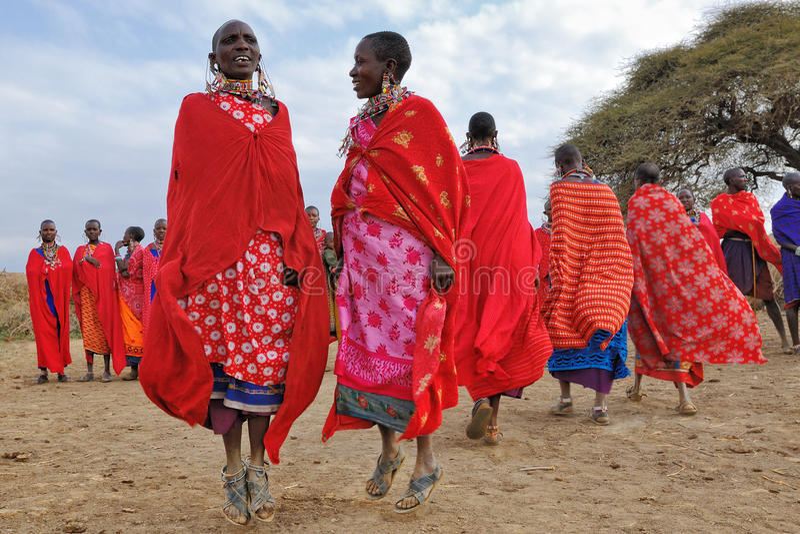masai dancingowe kobiety obrazy royalty free