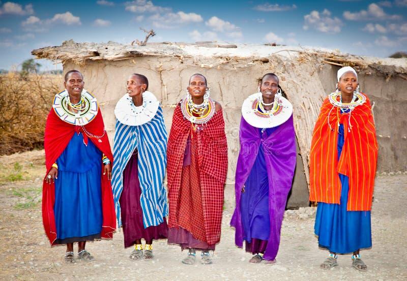 Masai kobiety z tradycyjnymi ornamentami, Tanzania obraz royalty free