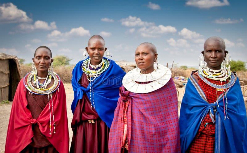 Masai kobiety z tradycyjnymi ornamentami, Tanzania obrazy royalty free