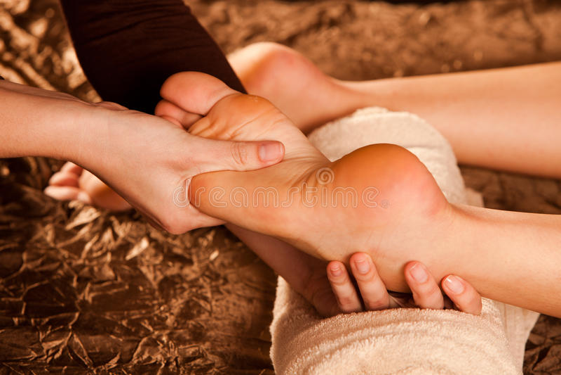 Masaje del pie foto de archivo libre de regalías