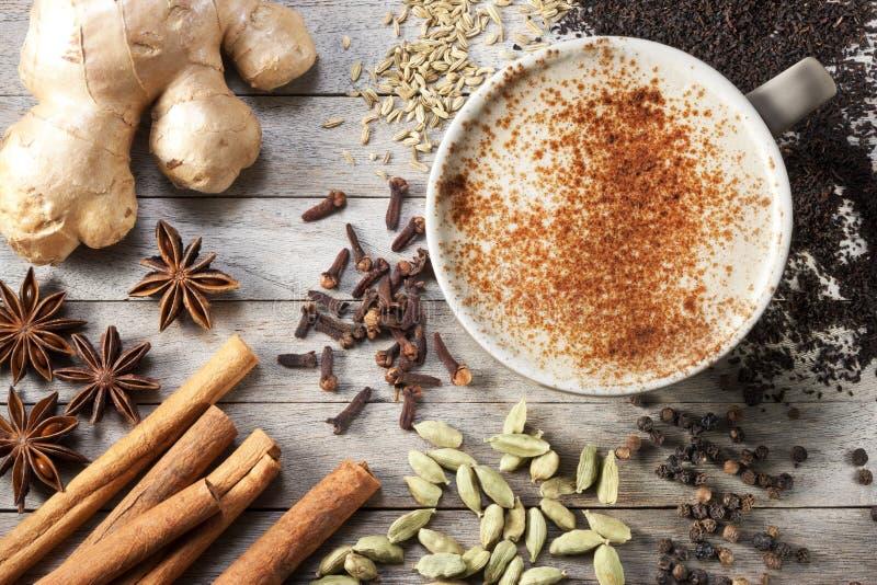 Masala Chai Tea Cup Spices fotografie stock libere da diritti
