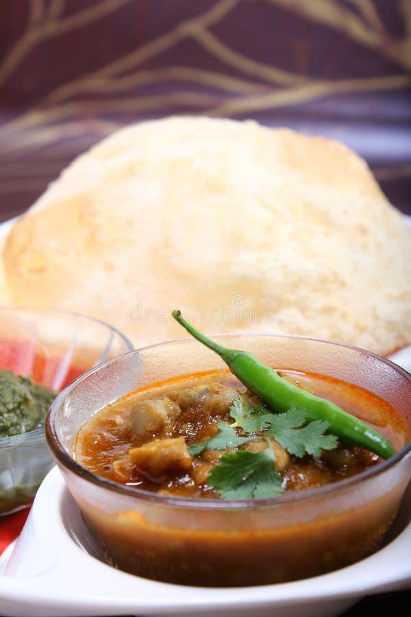 Masala de Chana com bhature, prato picante indiano fotografia de stock