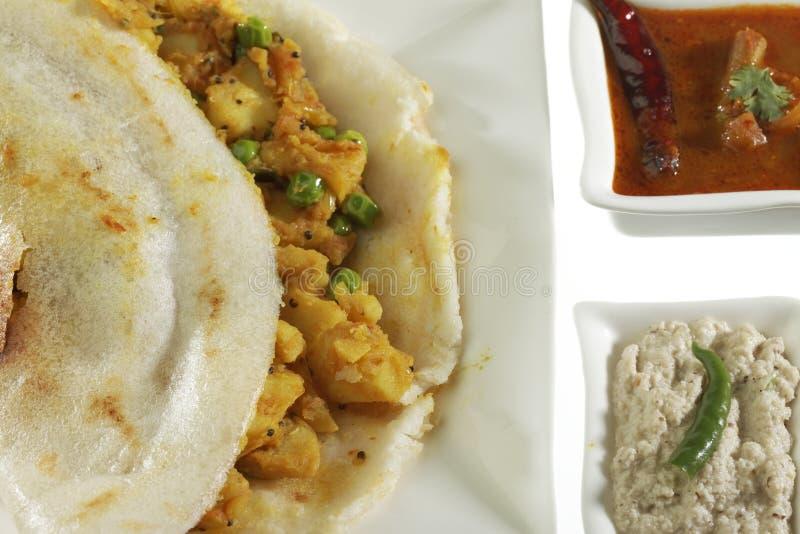 Masala Dosa που γεμίζεται με την πατάτα Masala, Chutney και Sambhar στοκ φωτογραφία με δικαίωμα ελεύθερης χρήσης