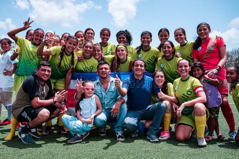 Masaya, Nicaragua 19 mei De Club van het Carrillovoetbal van Costa Rica besluit vriendschappelijke spelen met La Concepci?n Team royalty-vrije stock afbeeldingen