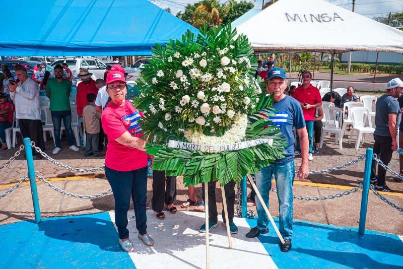 Masaya, Nikaragua Maj 19th Statua Jose Marti niezale?no?ci bohatera Kuba?ski dostawanie kwitnie dla jego 124 rocznicy ?mier? zdjęcie royalty free