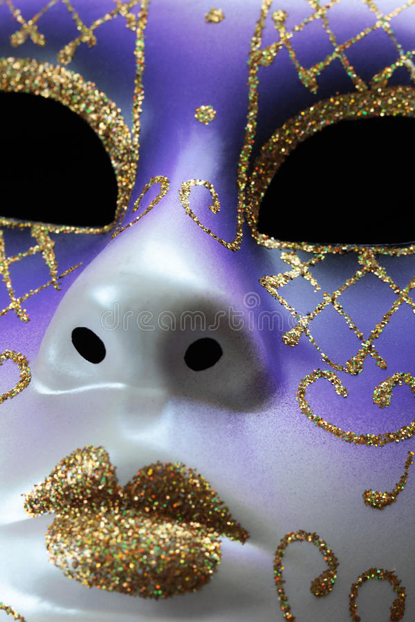 Download Mascarade D'isolement De Masque Photo stock - Image du festive, collier: 77153972