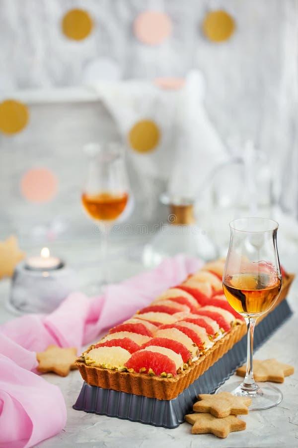 Mascarpone d'agrume et tarte délicieux de pistache photo stock