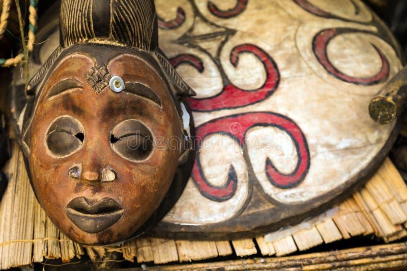 Maschera africana del totem fotografia stock libera da diritti