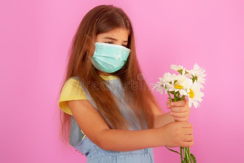 Maschera del fiore di allergia fotografia stock libera da diritti