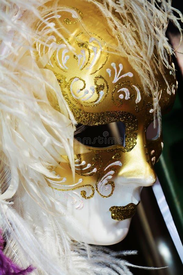 Maschera delle piume bianche, Venezia, Italia, Europa fotografie stock