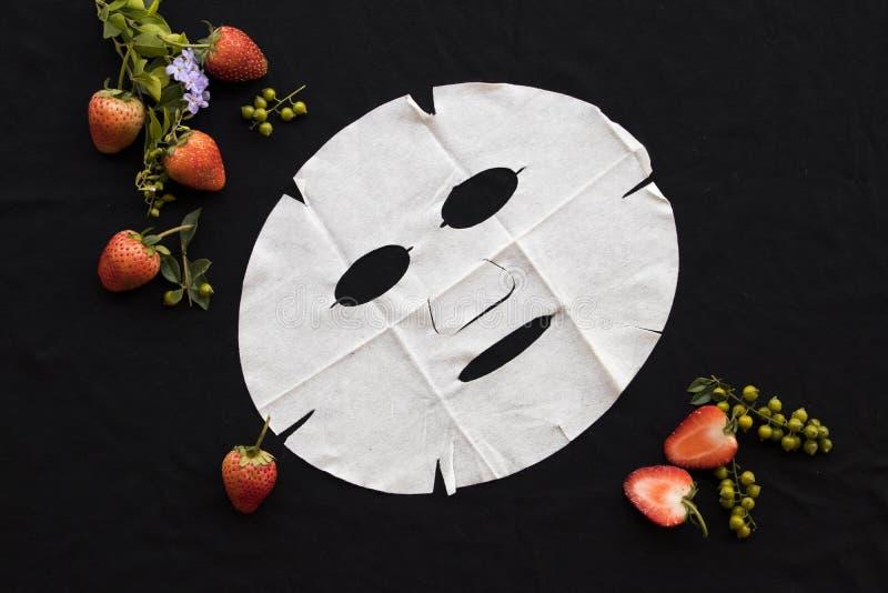 Maschera di erbe naturale dello strato dell'aroma dallo strawbery fotografie stock