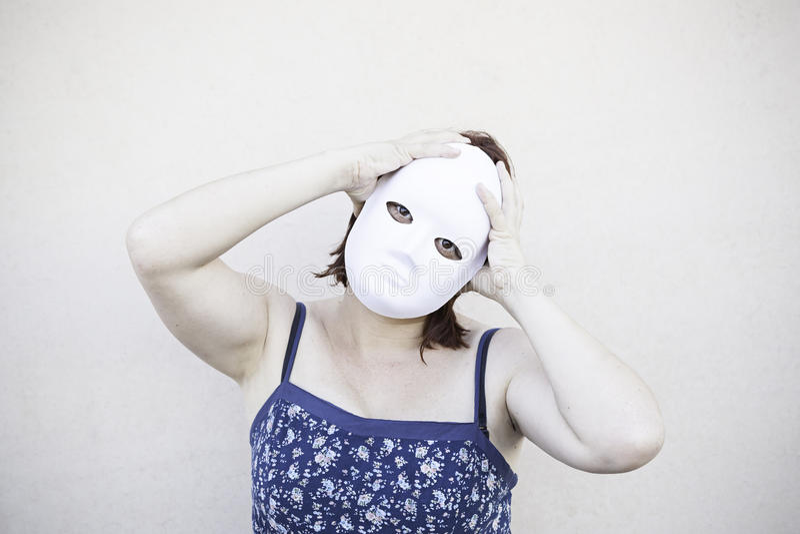 Maschera malata della ragazza fotografie stock libere da diritti