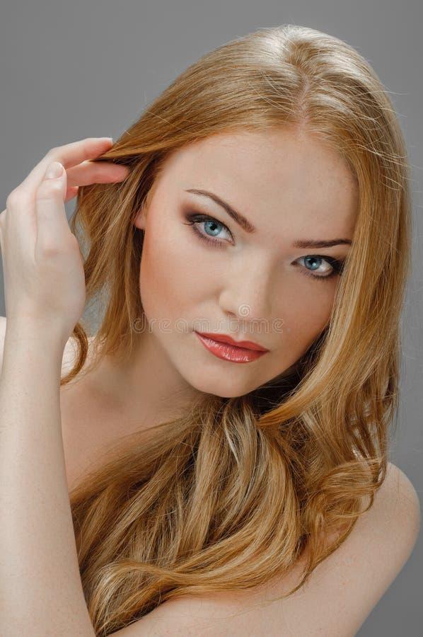 Maschera Redheaded di bellezza fotografia stock