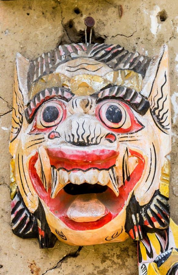Maschera tradizionale di balinese ad un negozio di ricordo nel villaggio di Tenganan fotografia stock libera da diritti