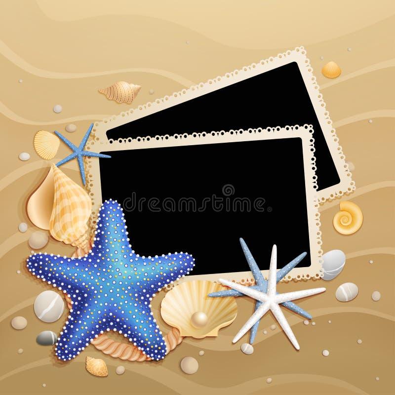 Maschere, coperture e stelle marine sulla priorità bassa della sabbia royalty illustrazione gratis