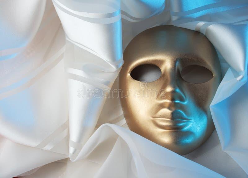 Download Mascherina dell'oro immagine stock. Immagine di teatrale - 7313835