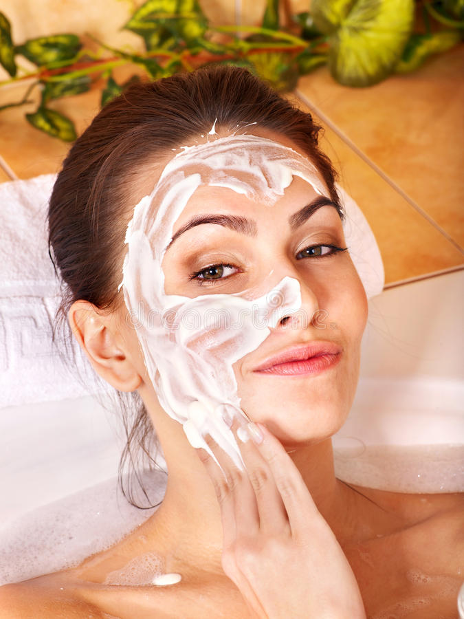 Mascherine facciali casalinghe naturali. immagini stock libere da diritti
