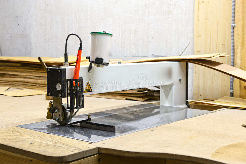 Maschine für das Aufbereiten des Holzes lizenzfreie stockfotos
