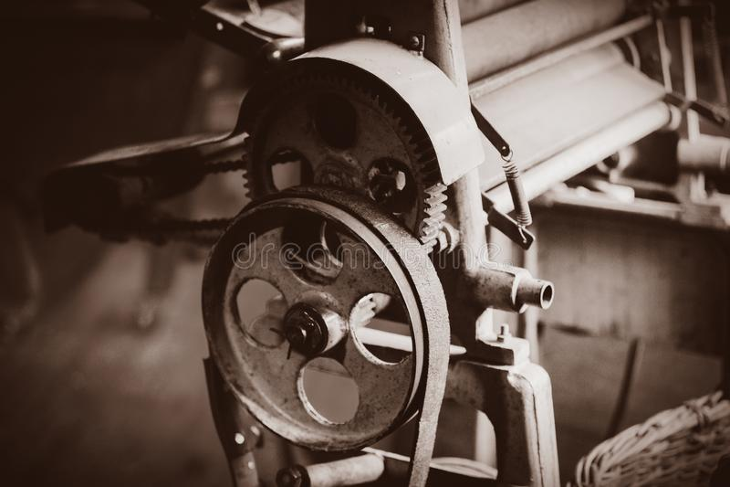 Maschine für das Produzieren traditionellen Holländer verstopfen stockbild