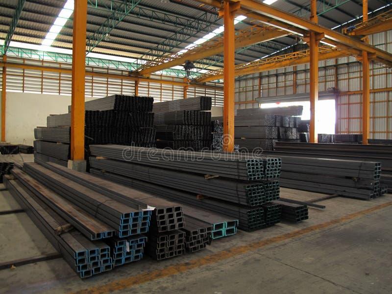 Maschine im Stahllager stockfotografie